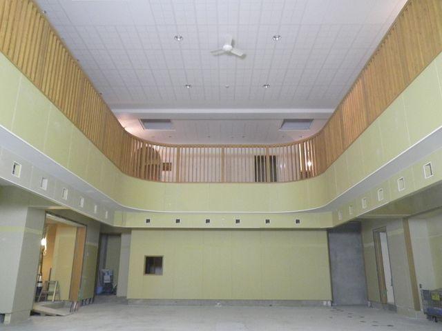 遊戯場から見た2階ギャラリー